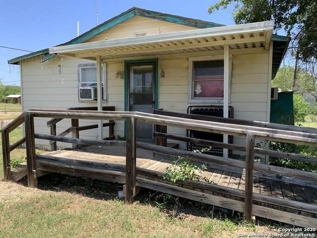 125 E Kinsel St, Dilley, TX 78017 (MLS #1457707) :: Tom White Group