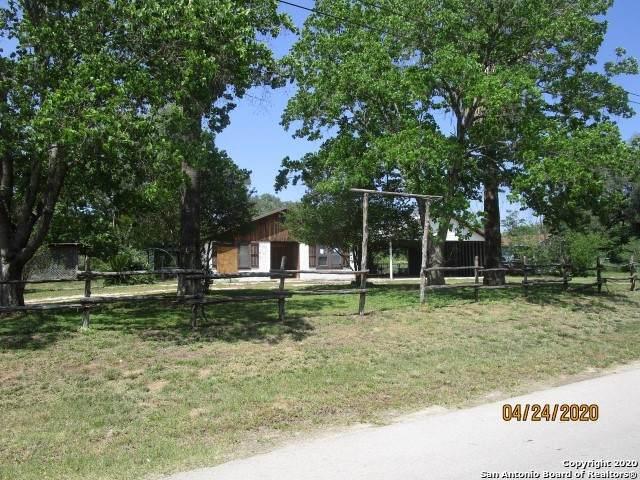 18565 Live Oak St, Lytle, TX 78052 (MLS #1458931) :: BHGRE HomeCity San Antonio
