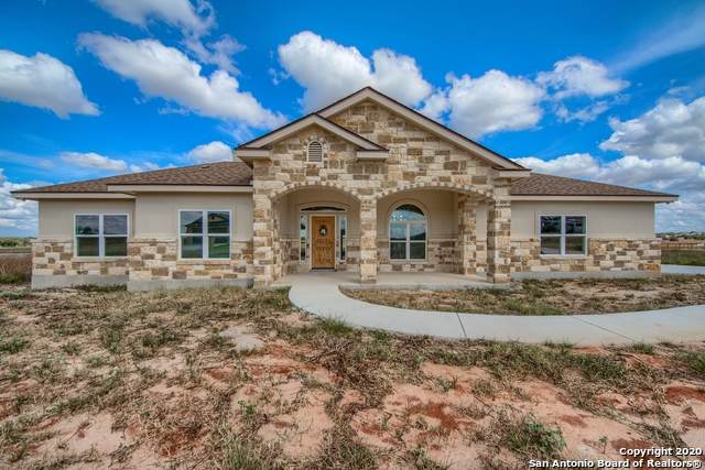 131 Las Palomas Dr, La Vernia, TX 78121 (MLS #1461170) :: The Real Estate Jesus Team