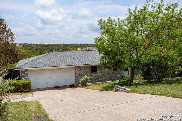 121 Heather Crt., Kerrville, TX 78028 (#1462600) :: The Perry Henderson Group at Berkshire Hathaway Texas Realty