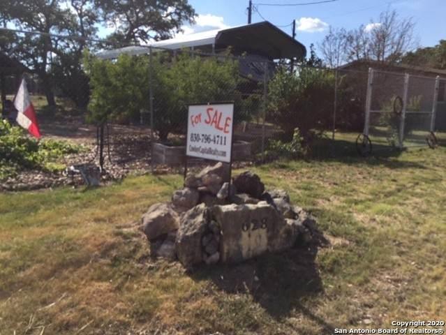 628 Pr 1514, Bandera, TX 78003 (MLS #1466490) :: The Glover Homes & Land Group