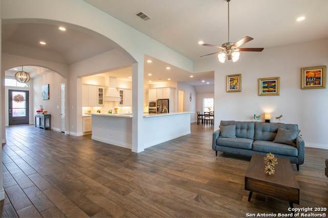 7987 Cibolo View, Fair Oaks Ranch, TX 78015 (MLS #1466558) :: Reyes Signature Properties