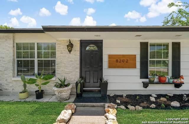 8202 Windlake St, San Antonio, TX 78230 (MLS #1466610) :: Reyes Signature Properties