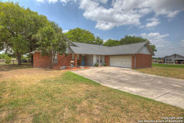 1220 Lone Star Dr, New Braunfels, TX 78130 (MLS #1466764) :: Alexis Weigand Real Estate Group