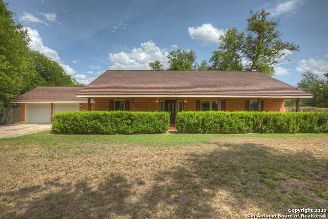 207 Woodlake Dr, McQueeney, TX 78123 (MLS #1467097) :: Alexis Weigand Real Estate Group