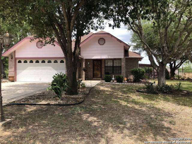 407 Loma Blanca Rd, Carrizo Springs, TX 78834 (MLS #1470360) :: The Gradiz Group