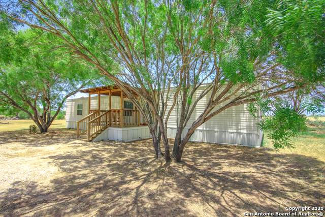 542 County Road 301, Floresville, TX 78114 (MLS #1470695) :: Alexis Weigand Real Estate Group
