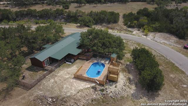 174 Pr 1518, Bandera, TX 78003 (MLS #1471453) :: 2Halls Property Team | Berkshire Hathaway HomeServices PenFed Realty