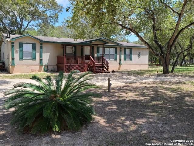 123 Willow Creek Dr, Floresville, TX 78114 (MLS #1474482) :: The Castillo Group