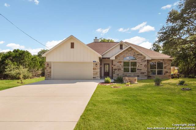 105 Oak Forest Dr, Boerne, TX 78006 (MLS #1475816) :: Tom White Group
