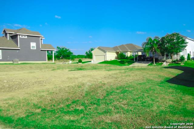 193 Lark Hill Rd, Floresville, TX 78114 (MLS #1477633) :: Concierge Realty of SA