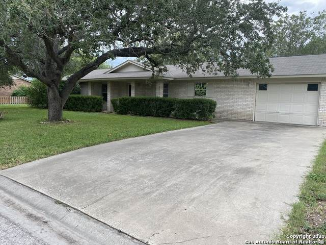1740 Cherrydown Dr, Three Rivers, TX 78071 (MLS #1478083) :: The Mullen Group | RE/MAX Access