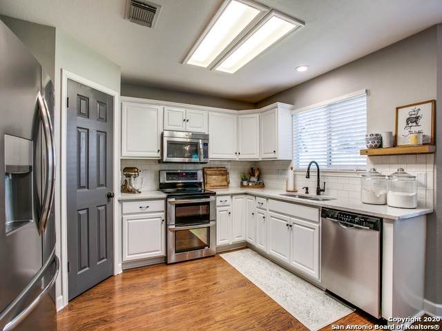 1315 Whitegate, San Antonio, TX 78253 (#1481108) :: The Perry Henderson Group at Berkshire Hathaway Texas Realty