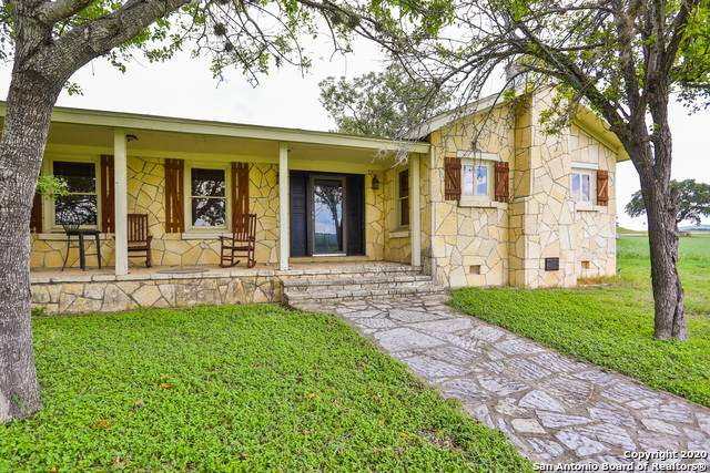 50150 Interstate 10 W, Comfort, TX 78013 (#1481109) :: The Perry Henderson Group at Berkshire Hathaway Texas Realty