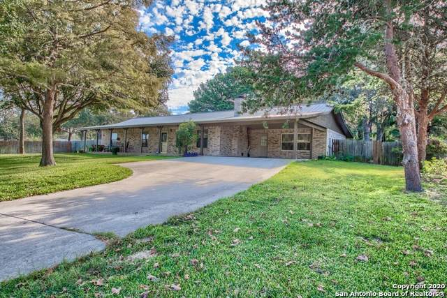 303 Bear Ridge Dr, La Vernia, TX 78121 (MLS #1481171) :: Neal & Neal Team