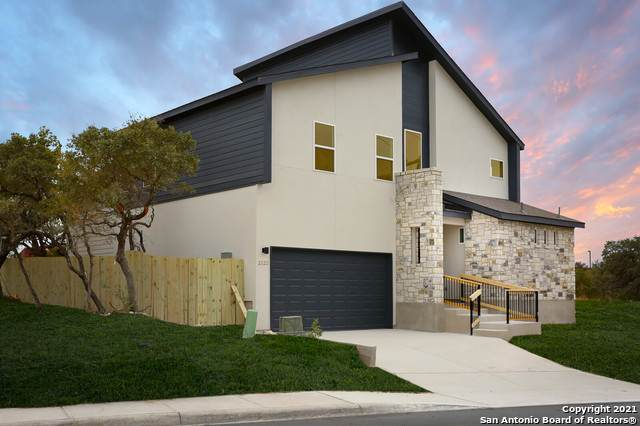2110 Village Pkwy, San Antonio, TX 78251 (MLS #1481987) :: Alexis Weigand Real Estate Group