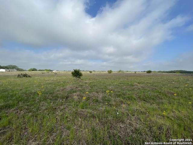 LOT 18 11.10 AC County Road 777, Devine, TX 78016 (MLS #1482595) :: The Gradiz Group