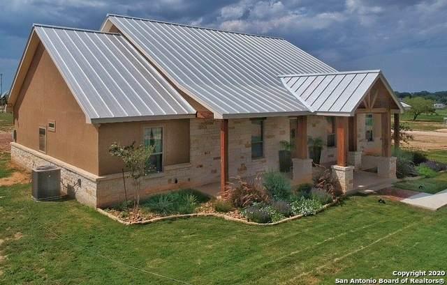 16489 Fm 472, Bigfoot, TX 78005 (MLS #1483149) :: Front Real Estate Co.