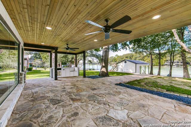 264 Lake Ridge Dr, Seguin, TX 78115 (MLS #1484815) :: Maverick