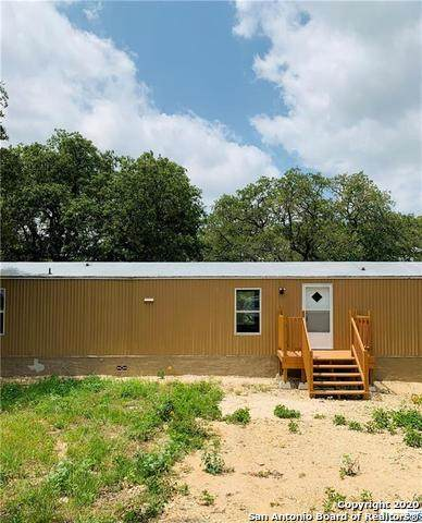 820 County Road 429, Stockdale, TX 78160 (MLS #1484884) :: The Gradiz Group