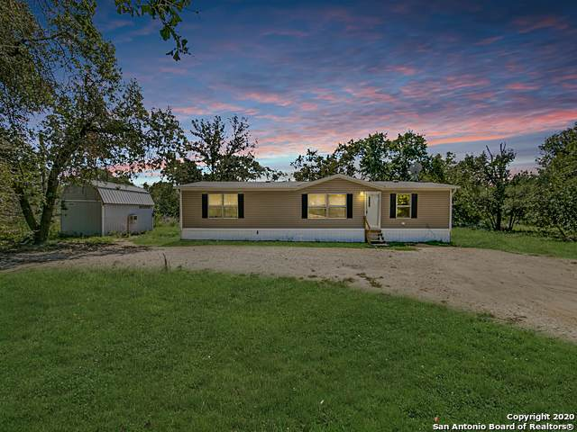 145 E Robin Lynn Dr, Somerset, TX 78069 (#1485692) :: The Perry Henderson Group at Berkshire Hathaway Texas Realty
