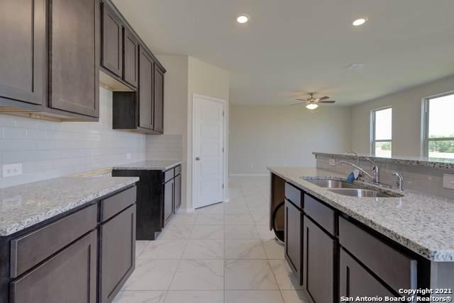 6102 Longhurst Way, San Antonio, TX 78218 (MLS #1485955) :: Vivid Realty