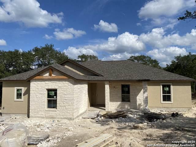 1690 Bella Vista, Canyon Lake, TX 78133 (#1486411) :: The Perry Henderson Group at Berkshire Hathaway Texas Realty