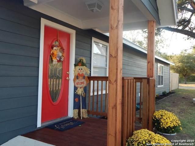 314 N Washington Dr, Devine, TX 78016 (MLS #1488575) :: Carter Fine Homes - Keller Williams Heritage