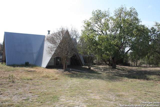 393 Gray Dove Ln, Seguin, TX 78155 (MLS #1490408) :: Carolina Garcia Real Estate Group