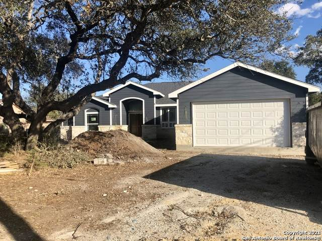 1820 Cottonwood Rd, Fischer, TX 78623 (MLS #1492224) :: The Rise Property Group