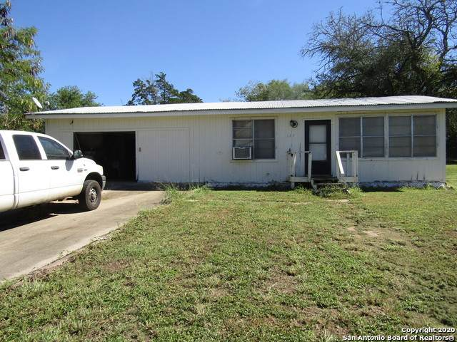 127 Lake St, Mathis, TX 78368 (MLS #1492699) :: JP & Associates Realtors