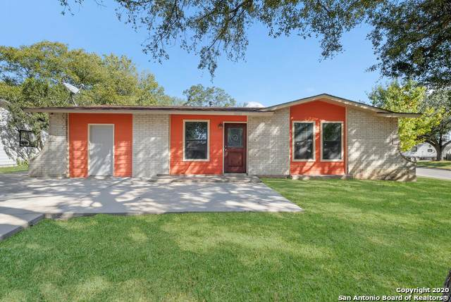 2402 Crest Ln, Kirby, TX 78219 (MLS #1493433) :: REsource Realty