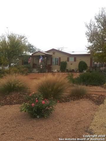 300 Oak Ridge Rd, Fredericksburg, TX 78624 (MLS #1493897) :: Carolina Garcia Real Estate Group