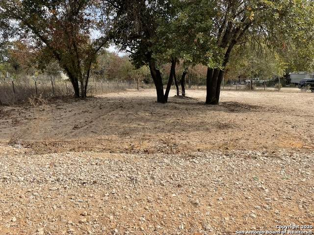1120 County Road 6846, Lytle, TX 78052 (MLS #1494556) :: EXP Realty
