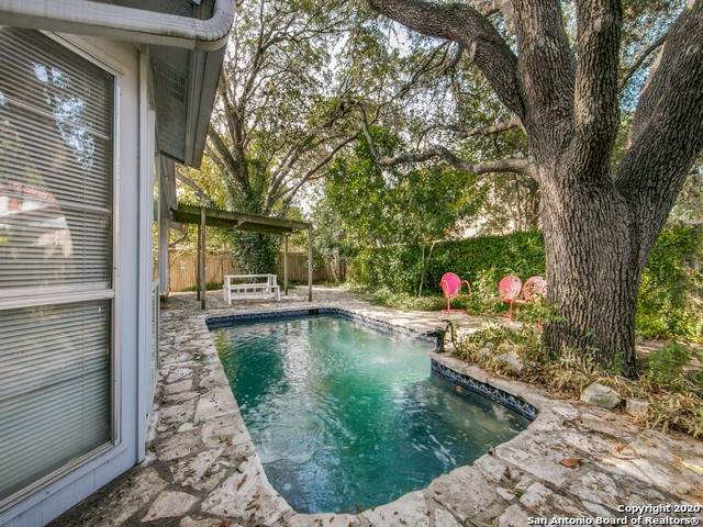 8367 Thorncliff Dr, San Antonio, TX 78250 (MLS #1494952) :: The Glover Homes & Land Group