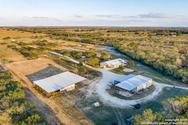 325 County Road 418, Stockdale, TX 78160 (MLS #1495282) :: Santos and Sandberg