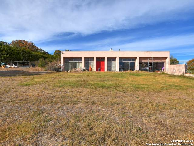 112 Stacy Ln, Kerrville, TX 78028 (MLS #1496732) :: Carolina Garcia Real Estate Group
