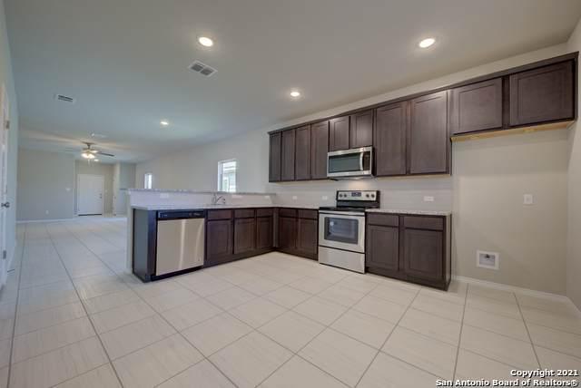 9923 Rancho Real Rd, San Antonio, TX 78224 (MLS #1496834) :: Real Estate by Design