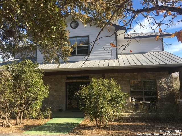 1348 Live Oak Ridge, Bandera, TX 78003 (MLS #1499156) :: Carolina Garcia Real Estate Group