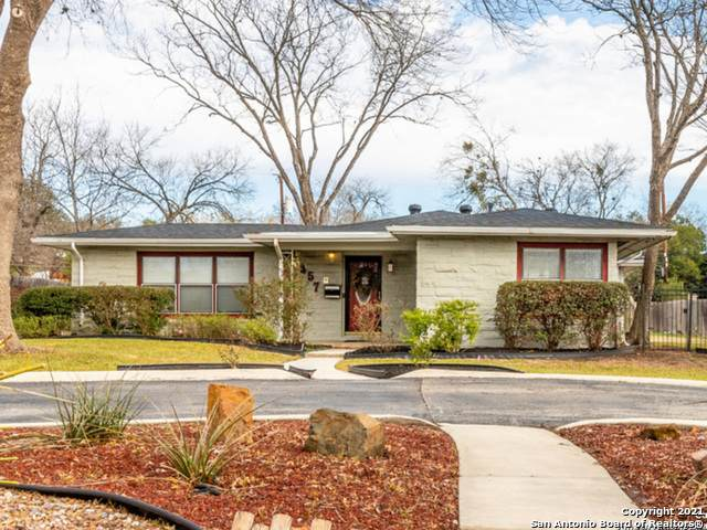 357 Tuttle Rd, Terrell Hills, TX 78209 (MLS #1500063) :: The Gradiz Group