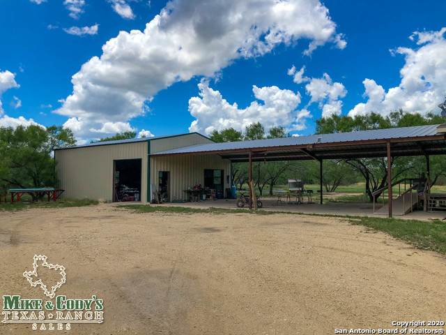 12364 Fm 582, Crystal City, TX 78839 (MLS #1500503) :: Concierge Realty of SA