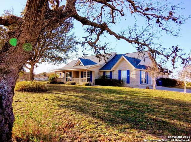 1152 Country View Dr, La Vernia, TX 78121 (MLS #1500915) :: Exquisite Properties, LLC