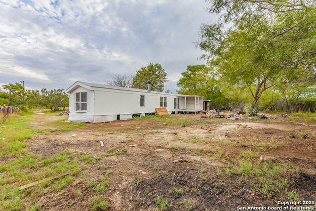 9095 Real Rd, San Antonio, TX 78263 (MLS #1501123) :: Neal & Neal Team