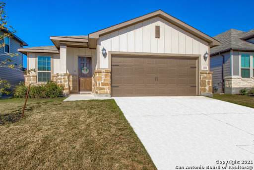 13211 Antelope Run, St Hedwig, TX 78152 (MLS #1502263) :: Tom White Group