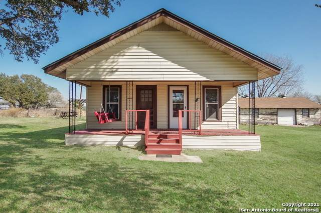 248 County Road 128, Floresville, TX 78114 (MLS #1502953) :: Alexis Weigand Real Estate Group