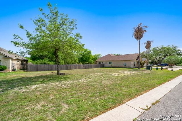 2026 Persimmon Dr, Cibolo, TX 78108 (MLS #1506347) :: The Mullen Group | RE/MAX Access