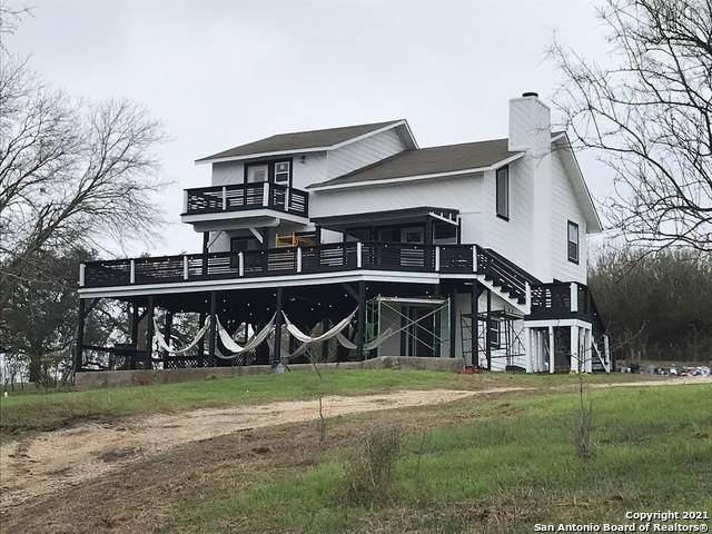 450 Lakecreek Dr, New Braunfels, TX 78130 (MLS #1509081) :: The Gradiz Group
