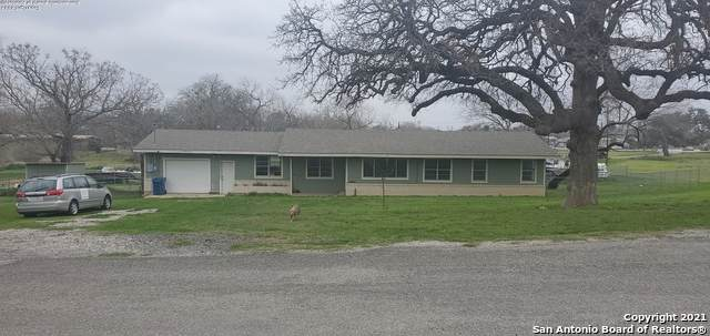1609 F St, Floresville, TX 78114 (MLS #1509425) :: The Gradiz Group