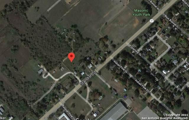 100 Alfredo Ln, Floresville, TX 78114 (MLS #1510376) :: The Lugo Group