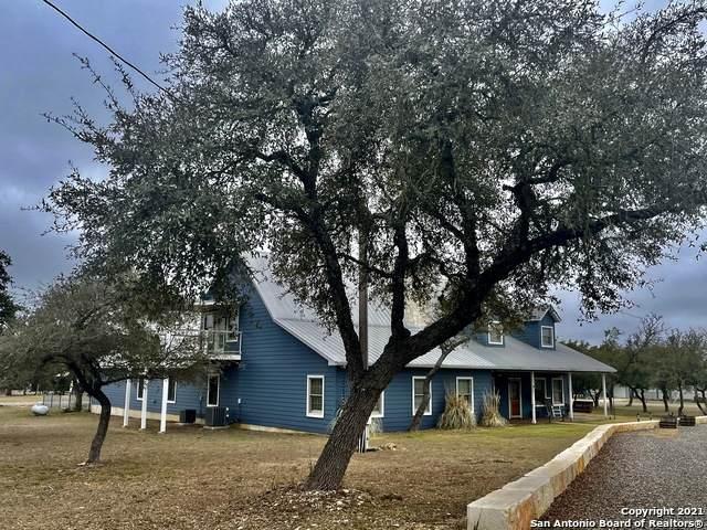 474 Oil Well Rd, Pipe Creek, TX 78063 (MLS #1511503) :: The Gradiz Group